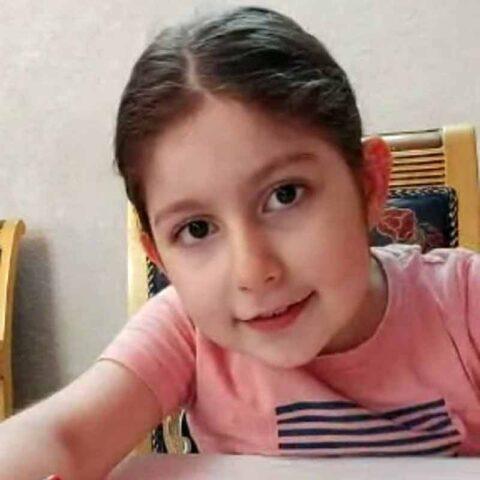 ریحانه جدا هنرجوی نقاشی فاطمه لطیفی ۷ ساله از تهران