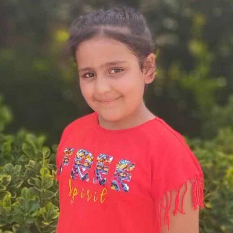 سارینا نوری هنرجوی نقاشی فاطمه لطیفی ۸ ساله از تهران