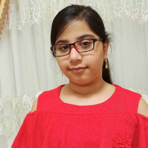 هیام شرفی هنرجوی نقاشی فاطمه لطیفی ۹ ساله از جناح هرمزگان